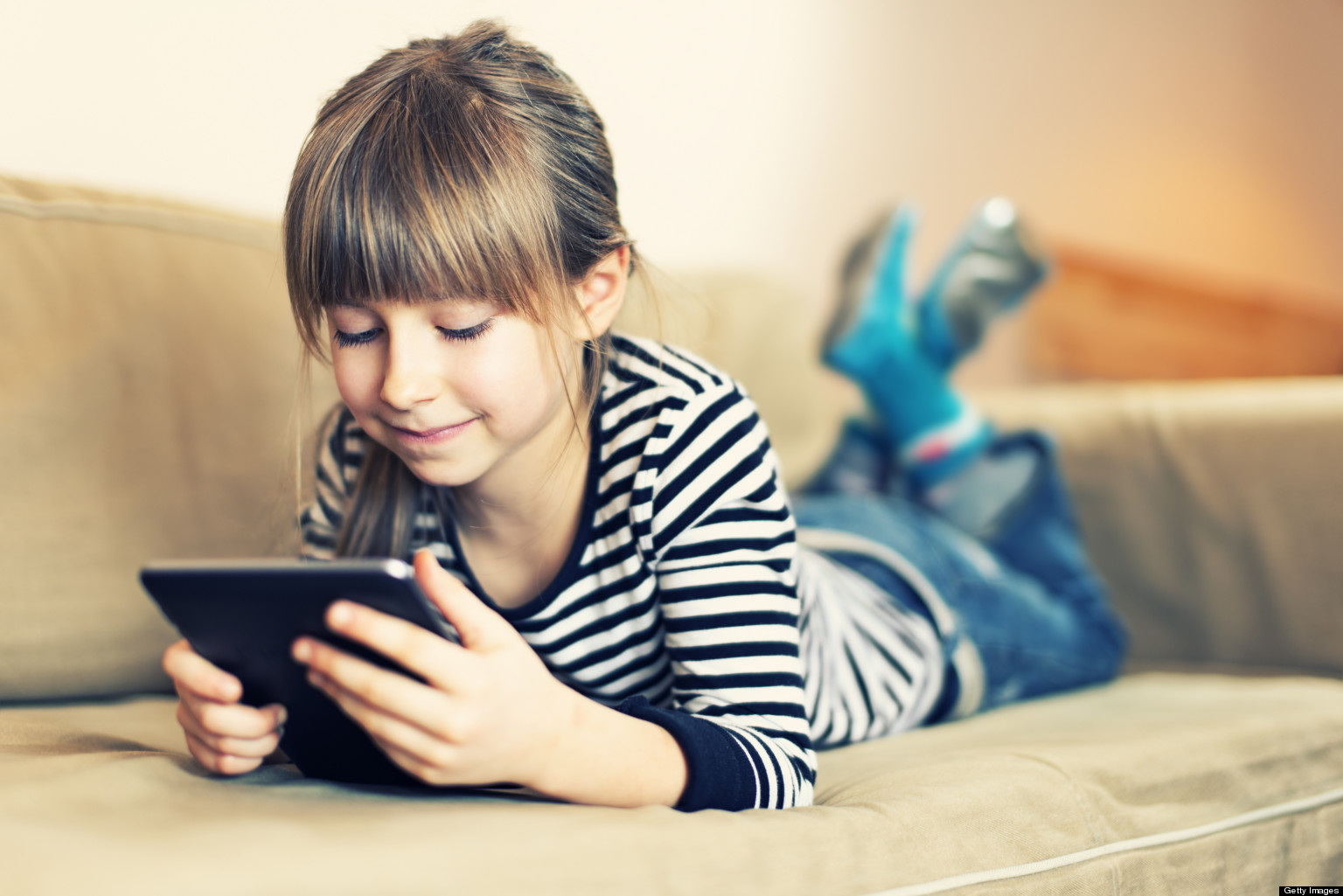 Facebook Monitoring Software to Save Kids from Facebook Dangers